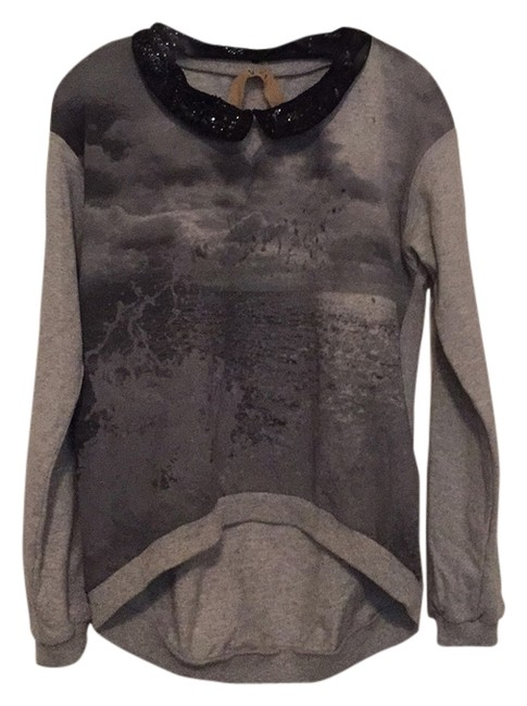 Preload https://item1.tradesy.com/images/no21-gray-graphic-with-detachable-collar-sweatshirthoodie-size-2-xs-4817860-0-0.jpg?width=400&height=650