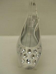 Dyeables Cassie White Size 7 Closed Toe Bling Crystals Silver White Satin Comfortable Flats Wedding Shoes