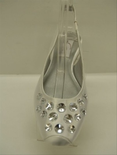 Dyeables White Cassie Closed Toe Bling Crystals Silver Satin Comfortable Flats Size US 7 Regular (M, B)