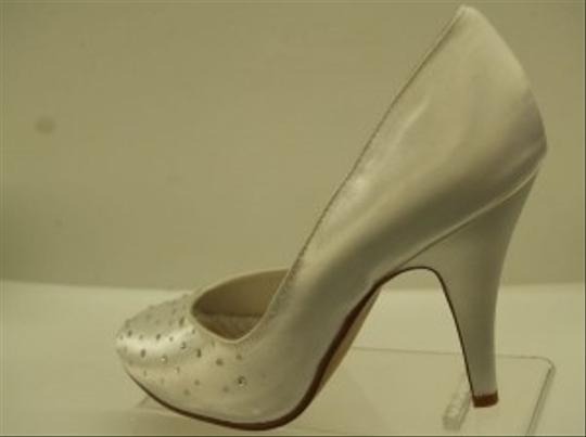Special Occasions by Saugus Shoe White Aurora 8101 Formal Size US 7