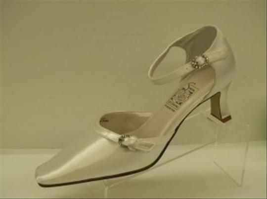 Special Occasions by Saugus Shoe White 4830 Doris Closed Toe Rhinestone Buckles Elegant Comfortable Dyeable Formal Size US 7 Regular (M, B)