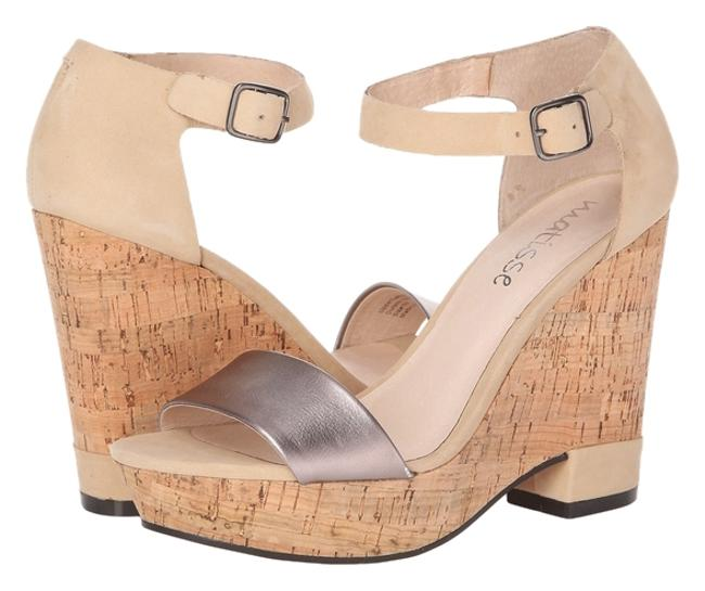 Item - Ivory Sandals Size US 7 Regular (M, B)