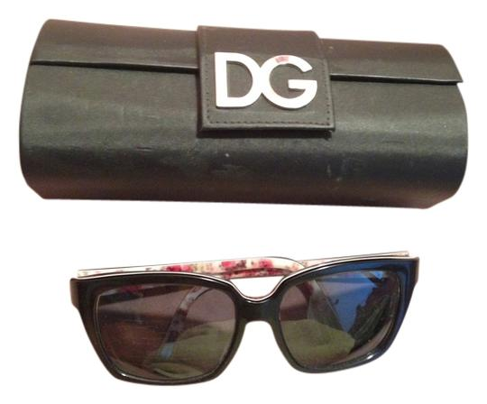 Preload https://item3.tradesy.com/images/dolce-and-gabbana-black-dolce-and-gabbana-dg4077m-sunglasses-17918g-flower-sunglasses-4822462-0-3.jpg?width=440&height=440