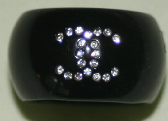 Chanel Chanel Cocktail Ring Black Resin Crystal CC Logo Camellia Flower Swarovski 5.5 6 Classic Timeless Costume Jewelry 08A