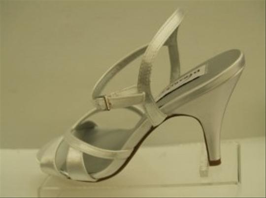 Dyeables White Chime Open Satin Bridal Summer Spring Beach Destination Cruise Wear Sandals Size US 7.5 Regular (M, B)