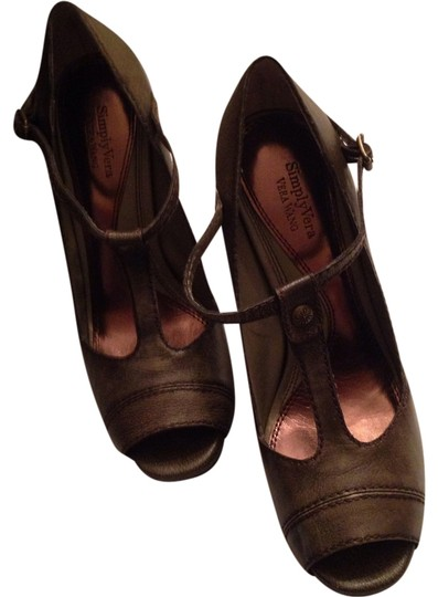 Vera Wang Taupe Army Green Pumps Image 0