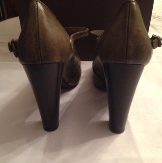Vera Wang Taupe Army Green Pumps Image 6