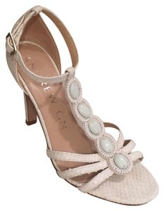 Andrew Gn White Pumps