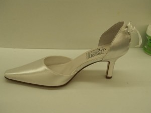 Special Occasions by Saugus Shoe White 4730 Closed Toe Pointy Toe D'orsay Style Tie Up Ribbon Unique Pumps Size US 7.5 Regular (M, B)