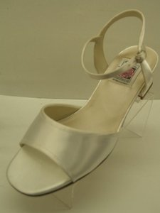 Special Occasions By Saugus Shoe 1930 White Sze: 8 Wedding Shoes