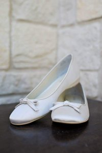 Menbur Menbur White Cute Ballet Flats Silk Wedding Shoes