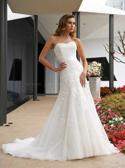 Preload https://item4.tradesy.com/images/jasmine-couture-bridal-ivory-lace-t282-vintage-wedding-dress-size-4-s-48303-0-0.jpg?width=440&height=440
