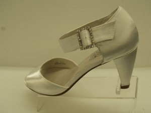 Special Occasions by Saugus Shoe White Olivia 5530 Size US 8