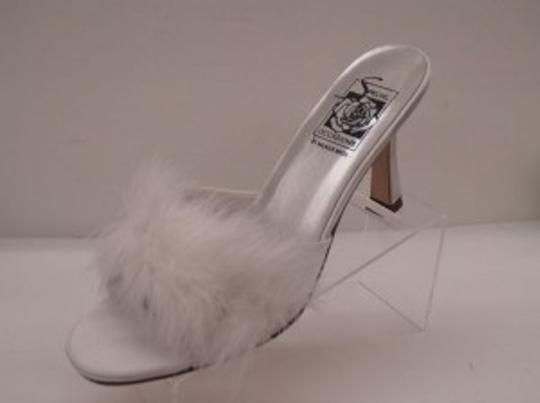 Preload https://item3.tradesy.com/images/special-occasions-by-saugus-shoe-white-fur-heeled-slippers-size-us-8-48347-0-0.jpg?width=440&height=440