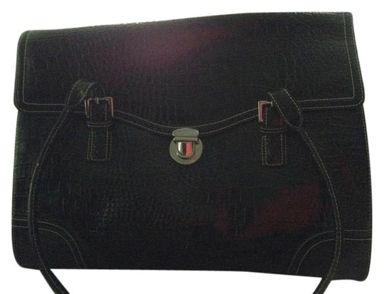 Preload https://item3.tradesy.com/images/liz-claiborne-098689240367style-109023-black-faux-leather-messenger-bag-4835092-0-0.jpg?width=440&height=440