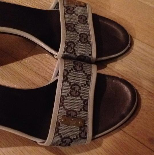 Gucci Cream with brown G's Sandals