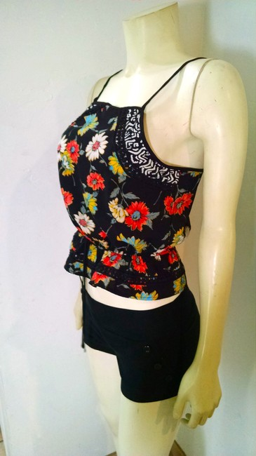 Xhilaration Size Small Floral P1553 Top black, pink, blue, yellow