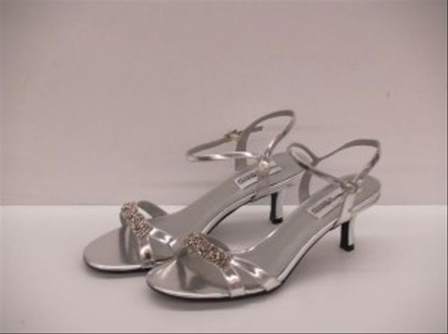 Dyeables Silver Chic Strappy Sandal Evening Party Formal Size US 8.5 Image 1