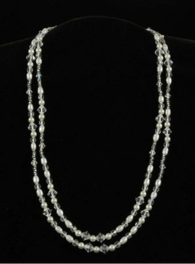 Preload https://img-static.tradesy.com/item/48395/toni-federici-pearls-and-clear-crystals-nk-301-necklace-0-0-540-540.jpg