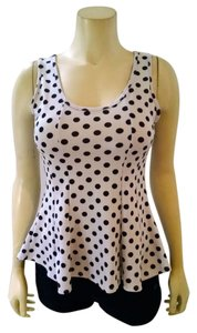 Julie's Closet Size Small White Polka Dots Top white, black