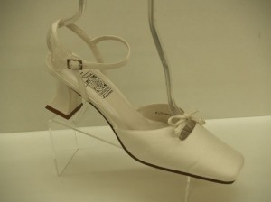 Special Occasions By Saugus Shoe 2535 Size: 8.5 Closed Toe Vintage Look Comfortable Wedding Shoes