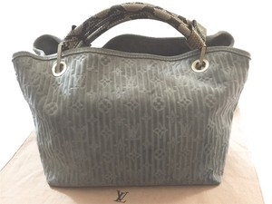 Louis Vuitton Whisper Pm Python Satchel in Monogram SUEDE JADE Green