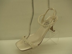 Special Occasions By Saugus Shoe 3950 White Size: 9.5 Open Toe Iridescent Beaded Sandal Satin Wedding Shoes