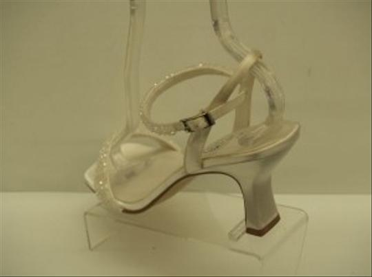 Special Occasions by Saugus Shoe White 3950 Open Toe Iridescent Beaded Sandal Satin Size US 9.5