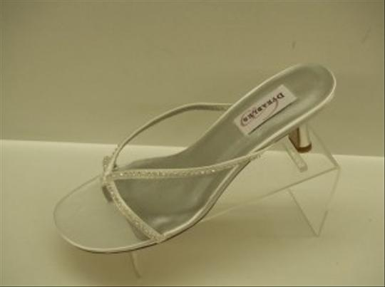 Dyeables White Carolyn Strappy Sandals Satin Bling Rhinestones Sexy Formal Size US 9