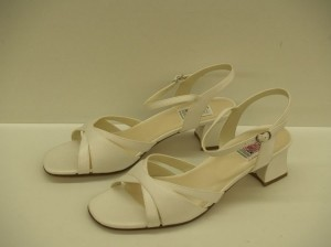 Special Occasions By Saugus Shoe 2435 Vintage White Size: 9 Comfortable Heels Open Toe Sandals White Wedding Shoes