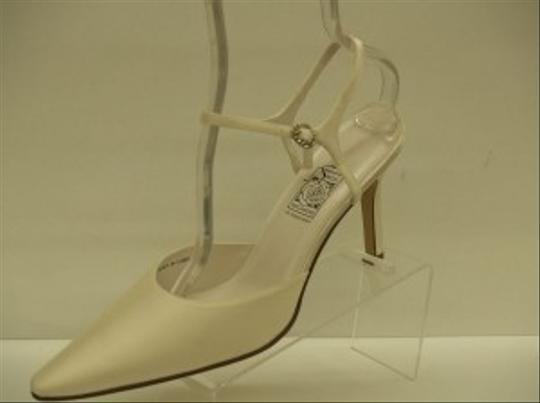 Special Occasions by Saugus Shoe Ivory 36037 Closed Toe Pointy Toe Beige Satin Formal Size US 10