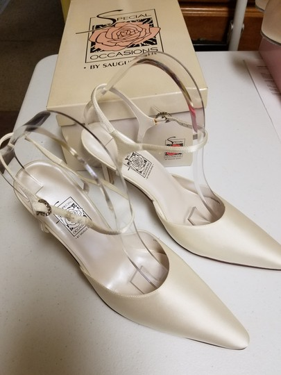 Special Occasions by Saugus Shoe Ivory 38057 Formal Size US 10 Regular (M, B)