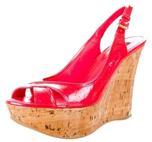 Louis Vuitton Patent Patent Leather Cork Peep Toe Textured Monogram Logo Platform Slingback Sandal Gold Hardware Lv 38.5 8.5 New Red Wedges