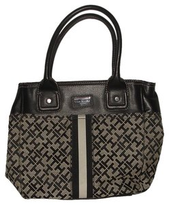 Tommy Hilfiger Tote in Black & White