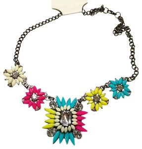 New Bib Necklace Crystals Yellow Pink Blue Gun Metal Silver J1110