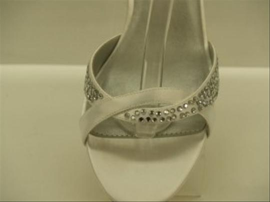 Dyeables White Deby 9.5 Free Shipping In Usa Open Toe Sandals Bling Satin Formal Size US 10
