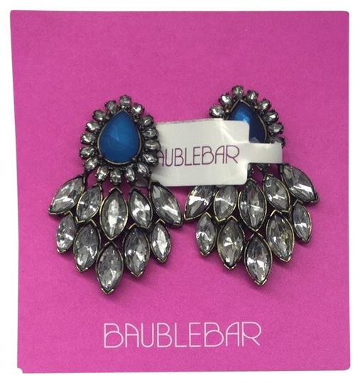 Preload https://item4.tradesy.com/images/baublebar-feather-drops-4862803-0-0.jpg?width=440&height=440