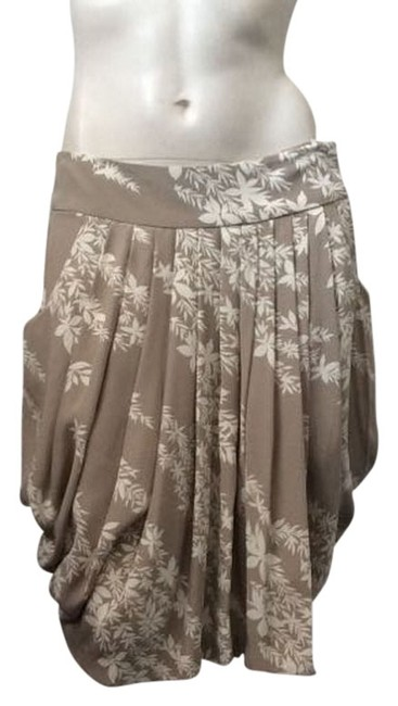 Preload https://img-static.tradesy.com/item/4863787/tracy-reese-khaki-and-white-pleated-size-12-l-32-33-0-0-650-650.jpg