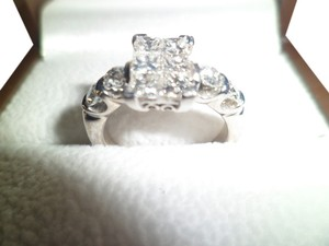 BEAUTIFUL CUSTOM DIAMOND RING VS-SI/HI COLOR 1.50-1.60 TDW.