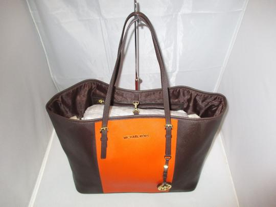 Michael Kors Tote in Coffee / Orange