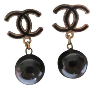 Chanel Chanel earring gold plated !