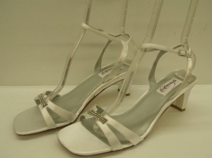 Dyeables White Glory Open Bling Buckle Comfortable Mid Heel Ankle Strap Destination Wear Sandals Size US 10 Wide (C, D)