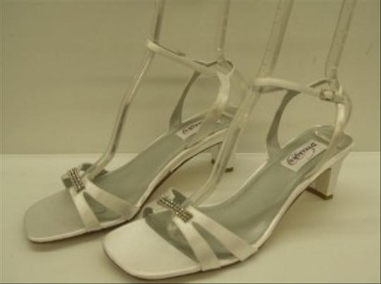 Dyeables White Glory Open Bling Buckle Comfortable Mid Heel Ankle Strap Destination Cruise Wear Sandals Size US 10 Wide (C, D)