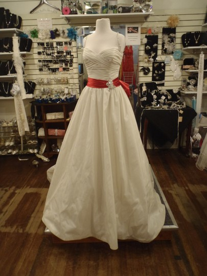 Preload https://img-static.tradesy.com/item/48698/maggie-sottero-ivory-and-red-wynona-wedding-dress-size-other-0-0-540-540.jpg