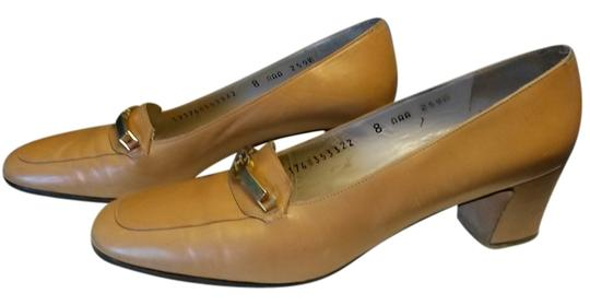 Salvatore Ferragamo Vintage Leather Classic Loafers Camel Pumps