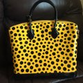 Louis Vuitton Limited Edition Lv Yayoi Kunama Collection Lock It Mm Vernis Infinity Leather Tote in yellow polka Dots Image 3