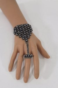 Other Women Hand Chain Fashion Pewter Slave Ring Bracelet Gray Rhinestones Pearls