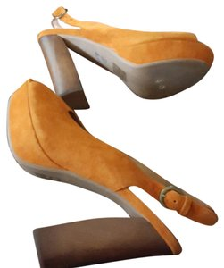 Jeffrey Campbell orange Pumps