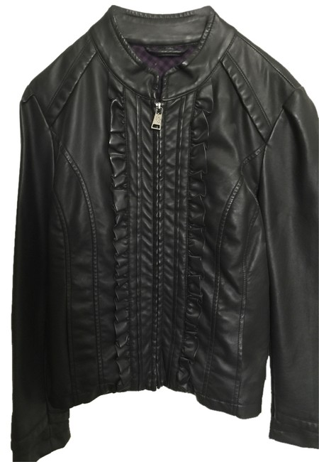 Preload https://item1.tradesy.com/images/steve-madden-black-leather-jacket-size-2-xs-4872895-0-0.jpg?width=400&height=650