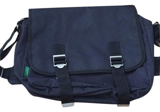 Preload https://item1.tradesy.com/images/united-colors-of-benetton-messenger-bag-4873975-0-0.jpg?width=440&height=440